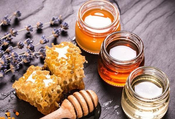Mẹo chữa viêm họng hạt mãn tính từ mật ong