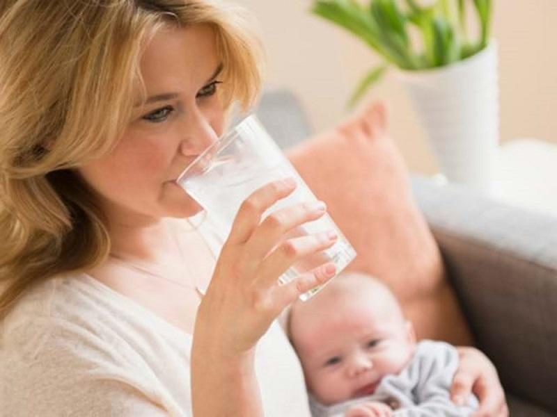 Cách trị viêm họng cho phụ nữ cho con bú hiệu quả tại nhà