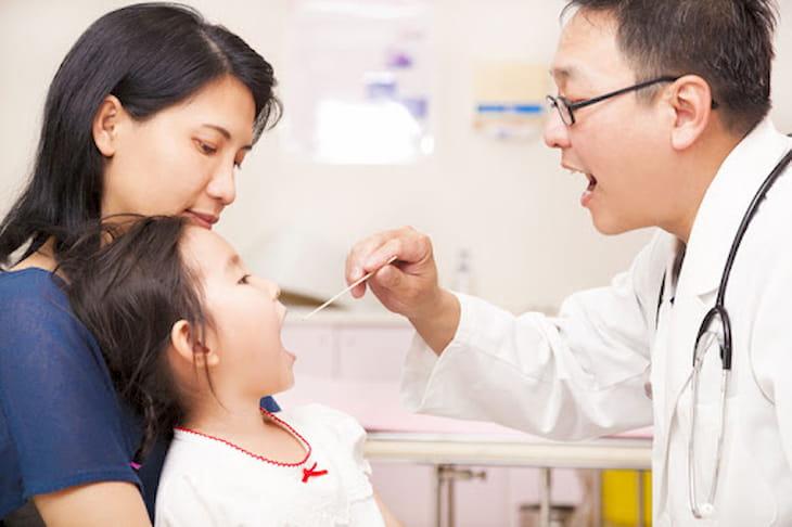 Cách chữa viêm họng tại nhà nhanh nhất, không dùng kháng sinh